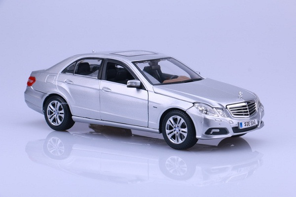Pre Order โมเดลรถ Benz E-350 E-class เงิน 1:18 รุ่นหายากสุดๆ มีโปรโมชั่น