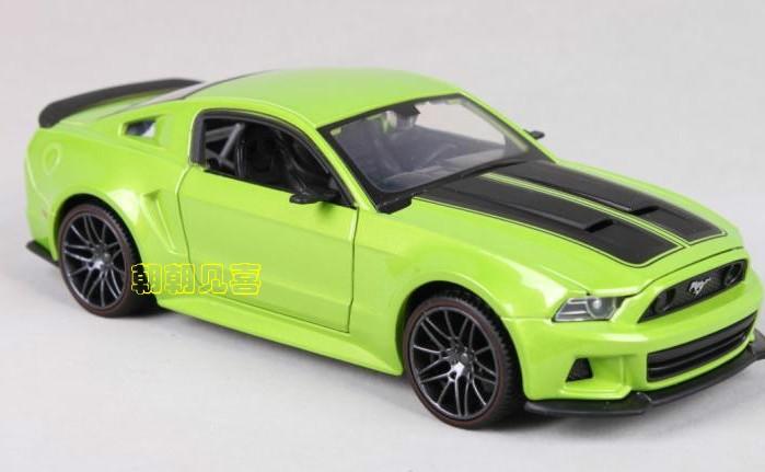พร้อมส่ง โมเดลรถเหล็ก Ford Mustang Street Racer ปี 2014 สเกล 1:24 สีเขียว มีโปรโมชั่น
