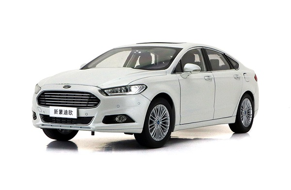 Pre Order โมเดลรถ Ford Mondeo 2013 สีขาว 1:18 รุ่นหายาก ขายดี มีโปรโมชั่น