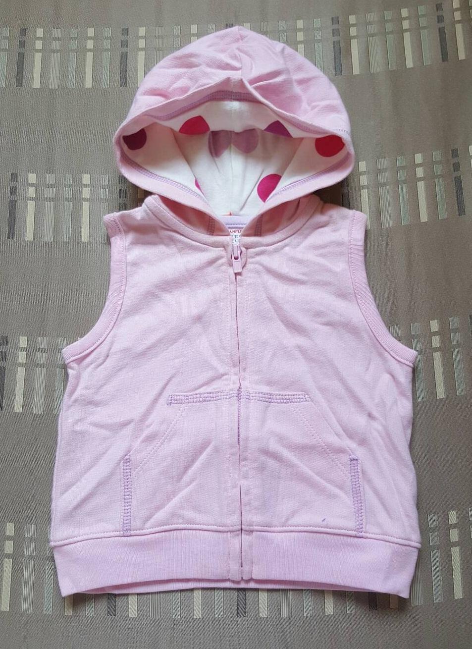 เสื้อกันหนาว แขนกุด มี hood ซิปหน้า (size 12 เดือน)