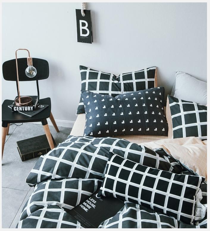 ผ้าปูที่นอน ลายตาราง สีส้ม-ดำ Multivariate