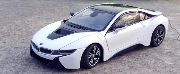 ขาย pre order โมเดลรถยนต์ BMW I8 ขาว 1:24 งานหายาก มีโปรโมชั่น