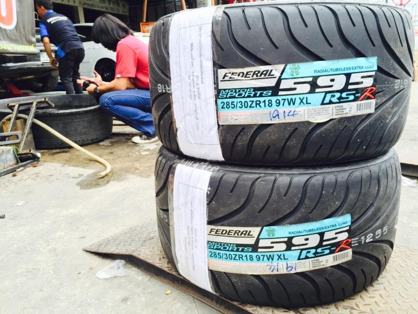 FEDERAL 595 RS-R 285/30-18 เส้นละ 7,800 บาท
