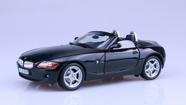 Pre Order โมเดลรถ BMW Z4 ดำ 1:18 รุ่นหายากสุดๆ มีโปรโมชั่น