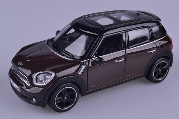 ขาย pre order โมเดลรถยนต์ BMW Mini Countryman 1:24 สีน้ำตาล หลังคาดำ มี โปรโมชั่น