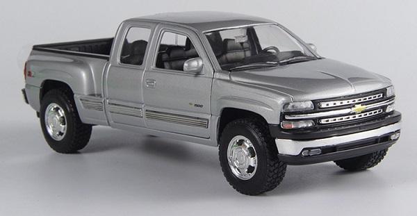ขาย pre order โมเดลรถยนต์ Chevrolet กระบะ เงิน 1:24 มี โปรโมชั่น