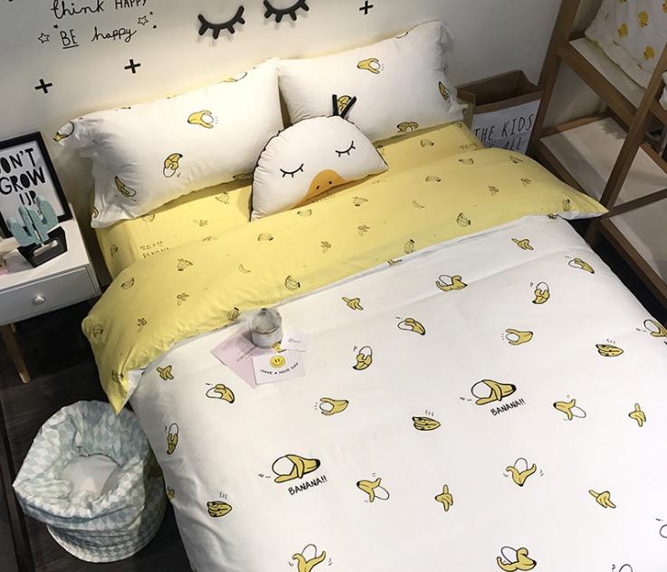 ผ้าปูที่นอน ลายการ์ตูนกล้วย Banana สีเหลือง-ขาว