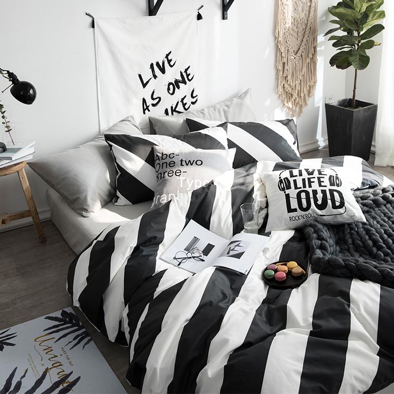 ผ้าปูที่นอน ลายทางสีขาว-ดำ ลายกราฟฟิก