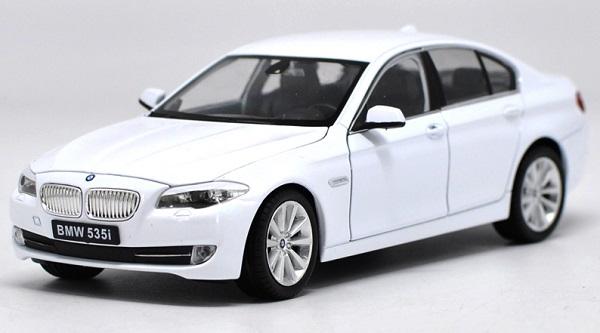 ขาย pre order โมเดลรถยนต์ BMW 535i ขาว 1:24 มี โปรโมชั่น