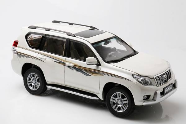 Pre Order โมเดลรถ Toyota Prado สีขาวมีลาย สเกล 1:18 งานคุณภาพ หายาก มีโปรโมชั่น
