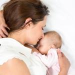 เมื่อลูกน้อยไม่ยอมดูดนมแม่ แก้ปัญหานี้อย่างไรดี?