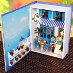 บ้านตุ๊กตาจิ๋ว Summer Holiday mini books hut ในหนังสือ