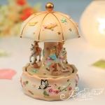 Happy Bear riding carousel music box creative gift . .. กล่องเพลงสำหรับคนพิเศษ ใช้ได้ทุกเทศกาลคะ
