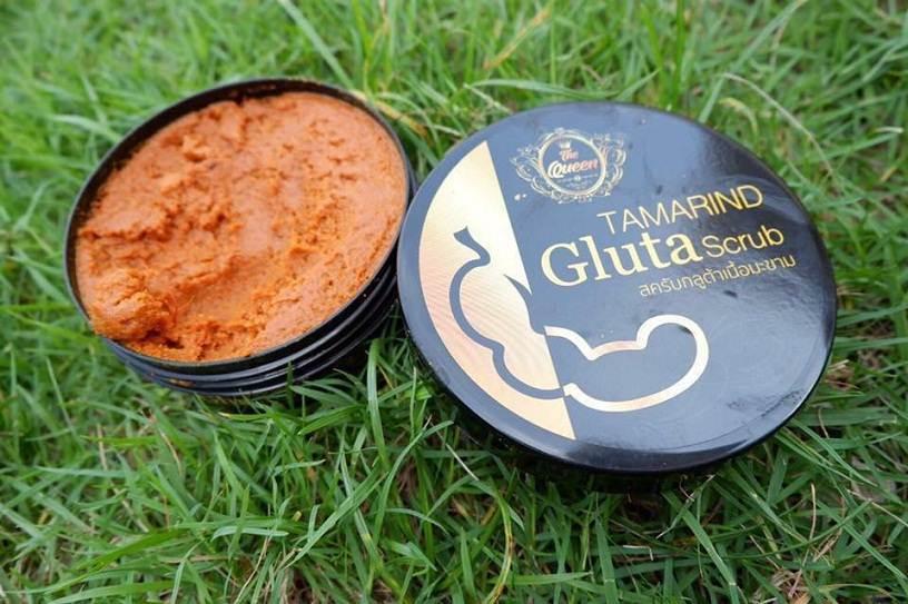 สครับกลูต้าเนื้อมะขาม Tamarind Gluta Scrub by TheQueen