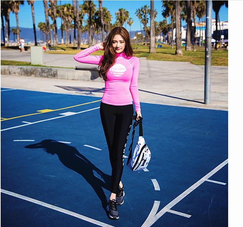 ชุดว่ายน้ำ ขายาว เสื้อแขนยาวสีชมพู สกรีนลาย