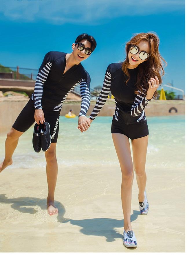 ชุดว่ายน้ำ ขาสั้น เสื้อแขนยาวซิปหน้า (เฉพาะผู้หญิง)