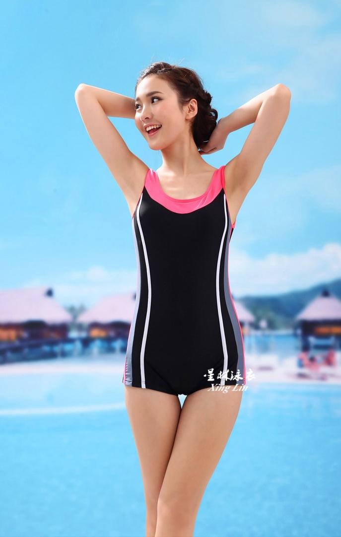 ชุดว่ายน้ำวันพีช แบบสปอร์ต ขาสั้น สีดำแถบขาว