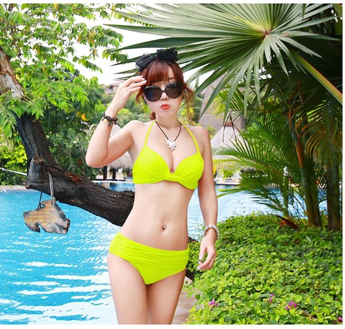 ชุดว่ายน้ำ บิกินี่ ทูพีช บราผูก เขียวตอง
